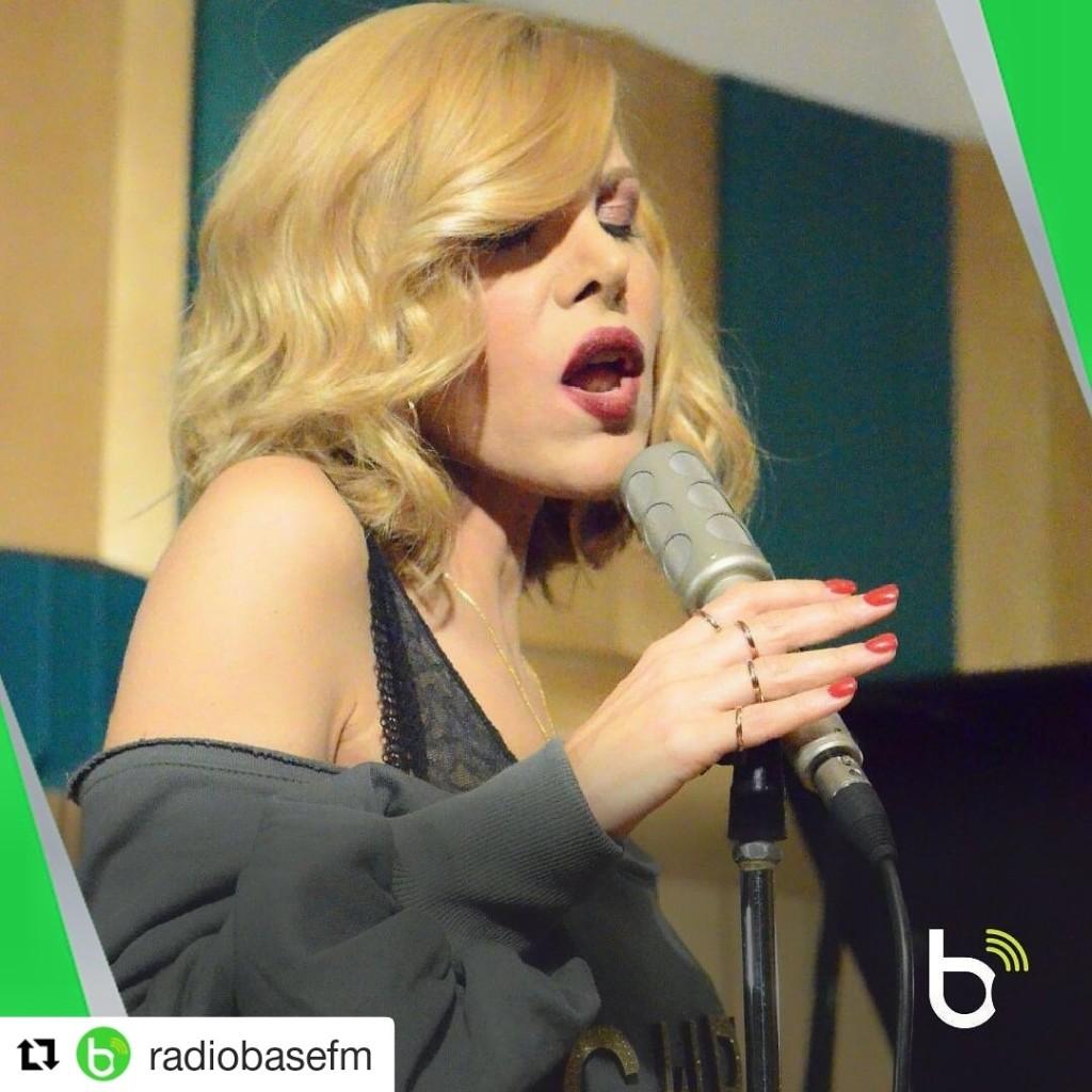 Ospitata @ Radio Base